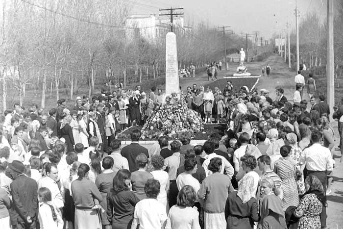Обелиск Памяти, 1967 год